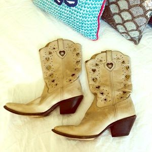 Crush by Durango 9.5 cowgirl boots